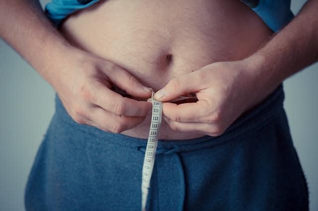 Auch durch eine Reduzierung des Bauchumfanges kann das Testosteron gesteigert werden